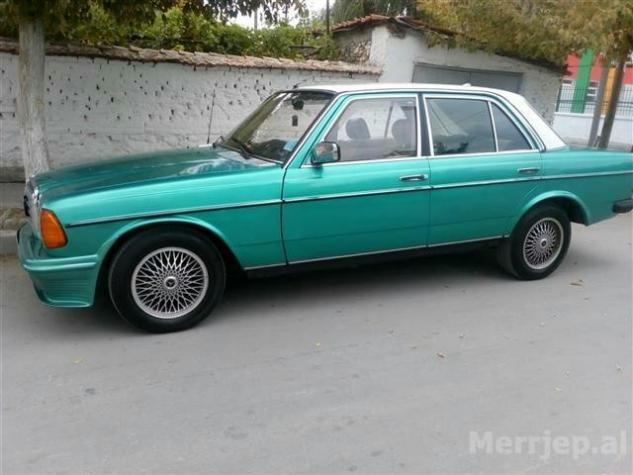 Mercedes-Benz 240 1983. Photo 3