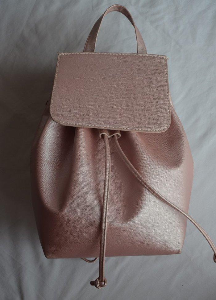 Ροζ τσάντα πλάτης σε άψογη κατάσταση. Photo 0