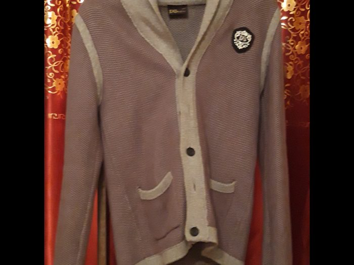 Продаю качественные свитера классика 3 шт в Каракол