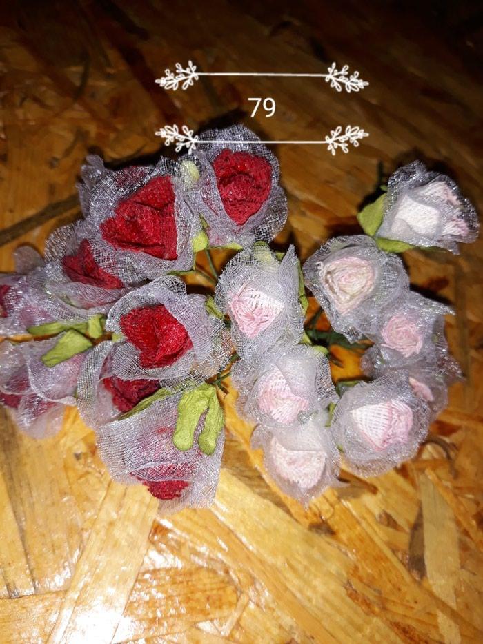 Πλαστικα λουλουδακια για διακοσμηση. Photo 1