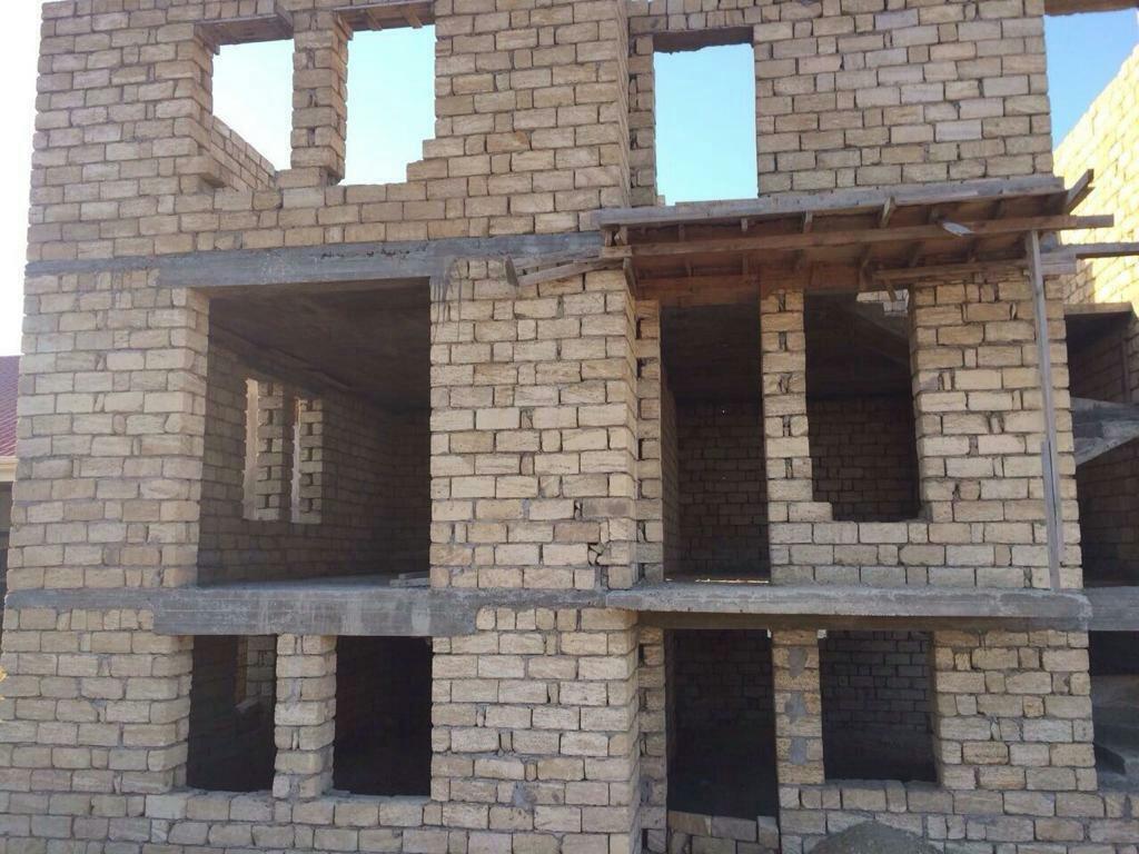 Satış Evlər mülkiyyətçidən: 300 kv. m, 5 otaqlı