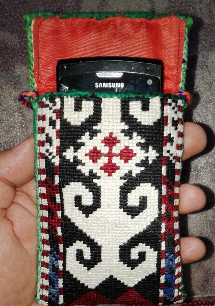 Чехлы для телефонов в национальном стиле. полностью ручная вышивка.. Photo 4