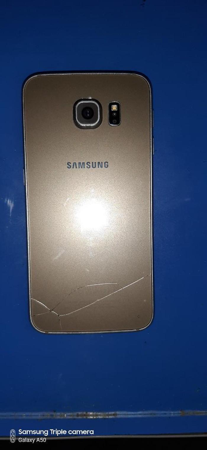 Б/у Samsung Galaxy S6 32 ГБ Золотой. Photo 1