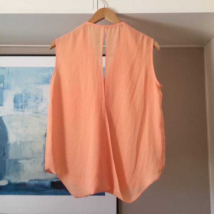 Suite Blanco αμάνικη πουκαμίσα με λαιμόκοψη. Photo 0