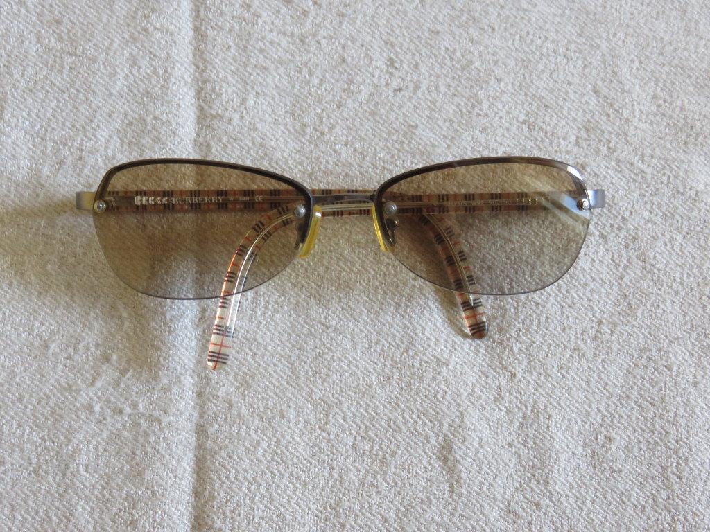 Αυθεντικα γυαλια ηλιου Burberry unisex B3873 σε αριστη κατασταση