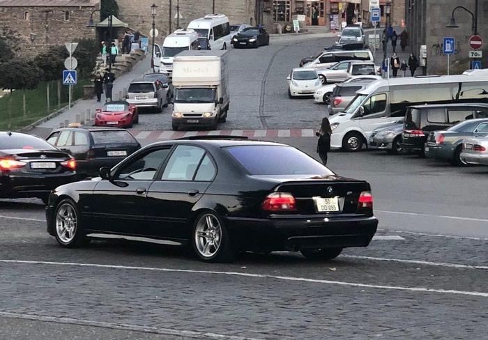 BMW 525 2001. Photo 0
