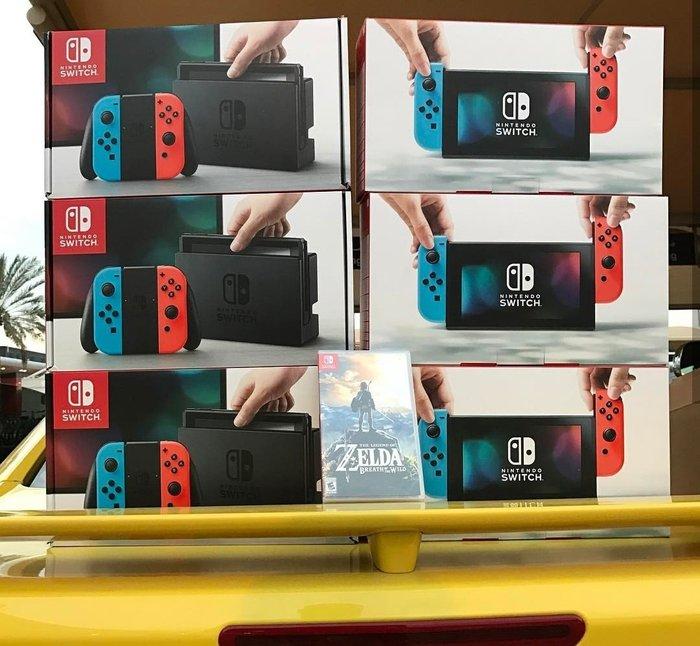 Bakı şəhərində Nintendo Switch oyun konsolu