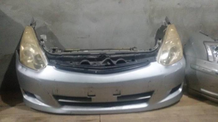 Авто запчасти на тоета виш передняя часть ноускат в Бишкек