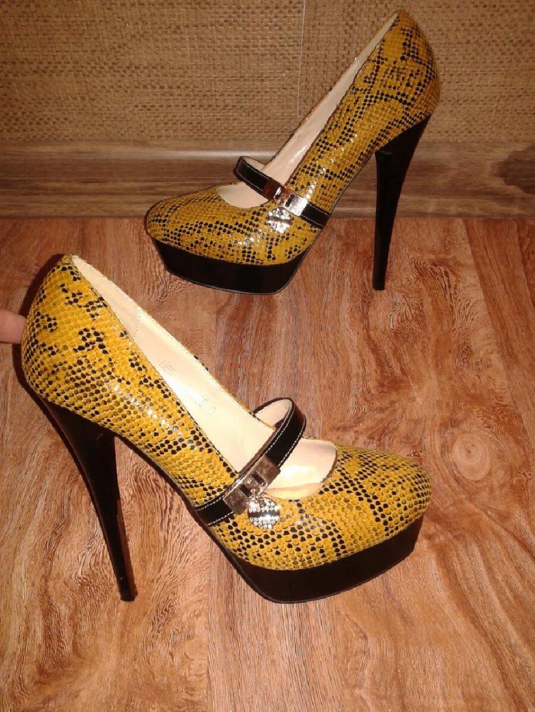 Туфли размер 35-36. Каблук 13см. Одеты один раз. Цена 500с: Туфли размер 35-36. Каблук 13см. Одеты один раз. Цена 500с