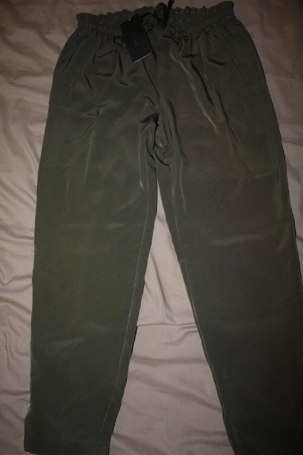 Λαδί παντελόνα καινούργια αφόρετη
