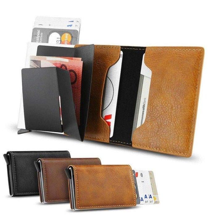 Πορτοφόλι με προστασία rfid για τις κάρτες σας με ανέπαφη συναλλαγή. Photo 0