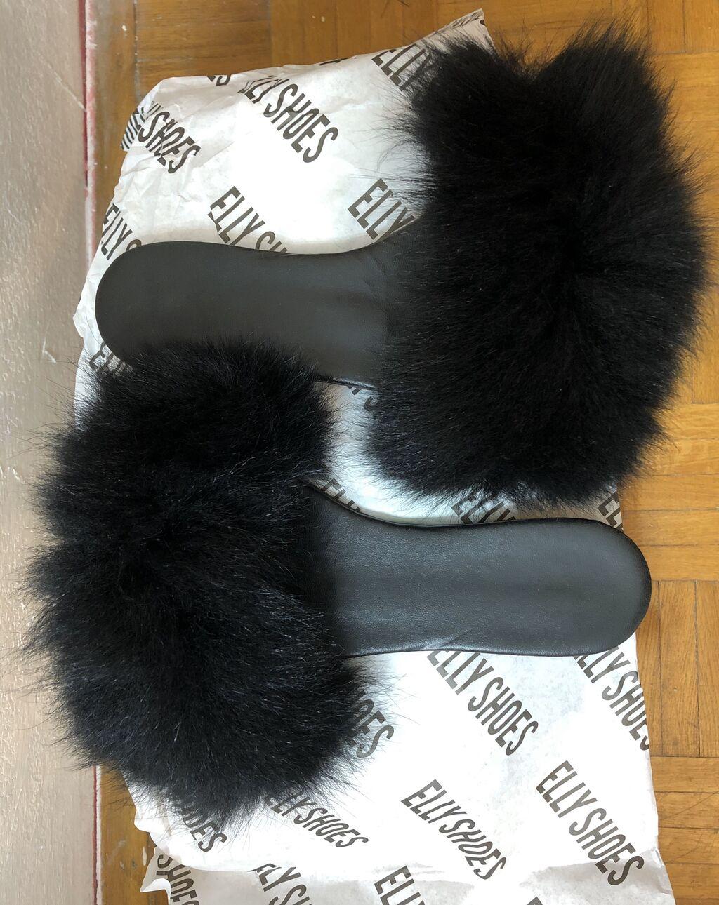 Crne papuče sa crnim velikim krznom