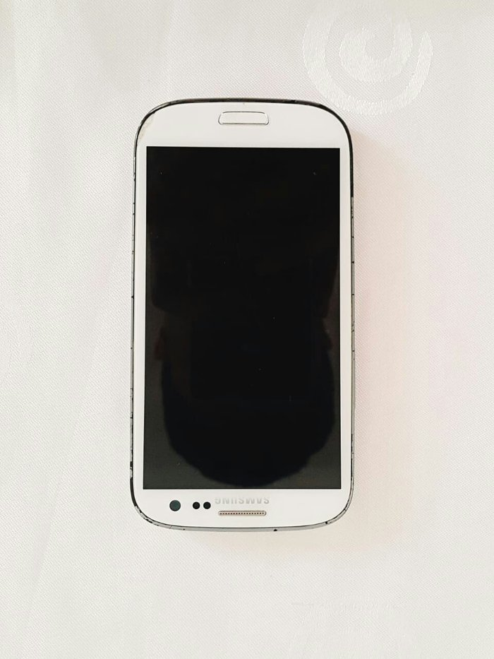 Bakı şəhərində Samsung Galaxy s3. hec bir problemi yoxdur. son qiymetdir. orginal