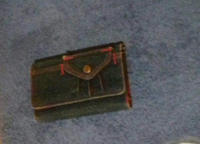 Πορτοφόλι, αχρησιμοποίητο (κωδ. 147). Photo 0