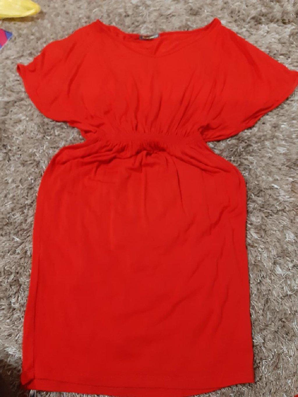 Crvena haljina mis rukavi