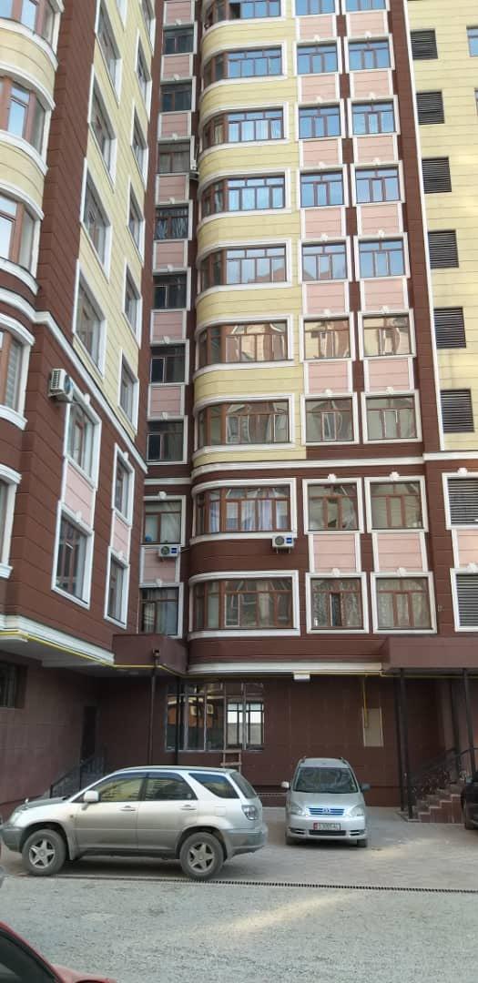 Продается квартира: 3 комнаты, 110 кв. м., Бишкек. Photo 3