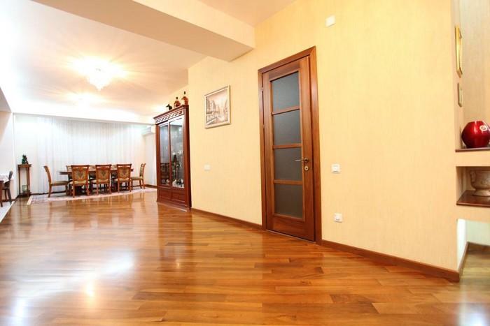Продается квартира: 5 комнат, 300 кв. м., Бишкек. Photo 4