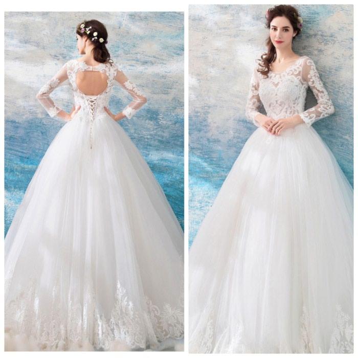 Свадебные платья в Бишкек: НОВОЕ СВАДЕБНОЕ ПЛАТЬЕ !!! СВАДЕБНОЕ ПЛАТЬЕ  цвет белый без шлейфа размер 40  42-44 продажа 4000 сом  прокат 2000сом