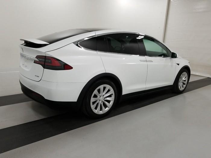 Tesla 2017. Photo 2