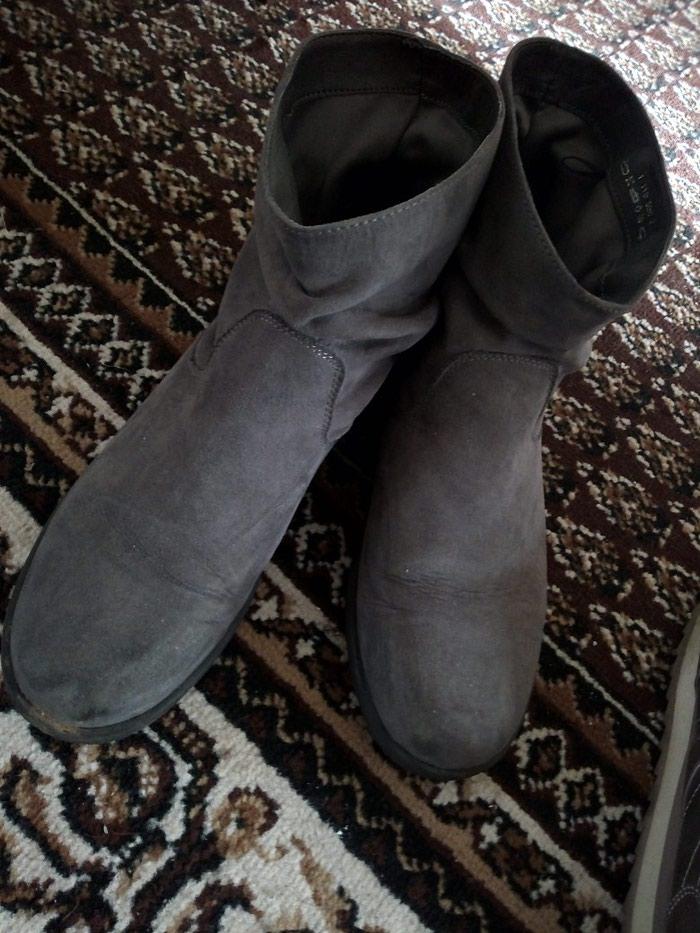 Ženske čizme. Photo 0