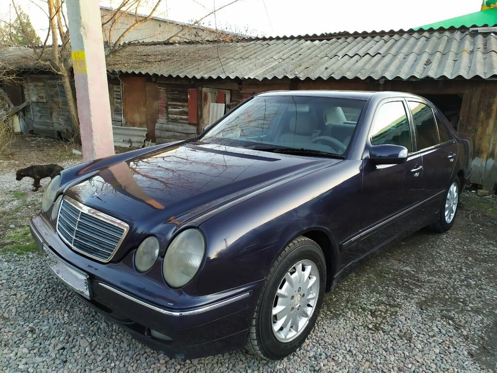 Mercedes-Benz E 320 3.2 л. 2000   280 км