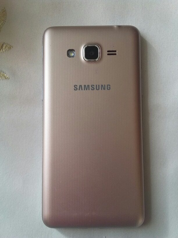 Б/у Samsung Galaxy Grand Золотой. Photo 0