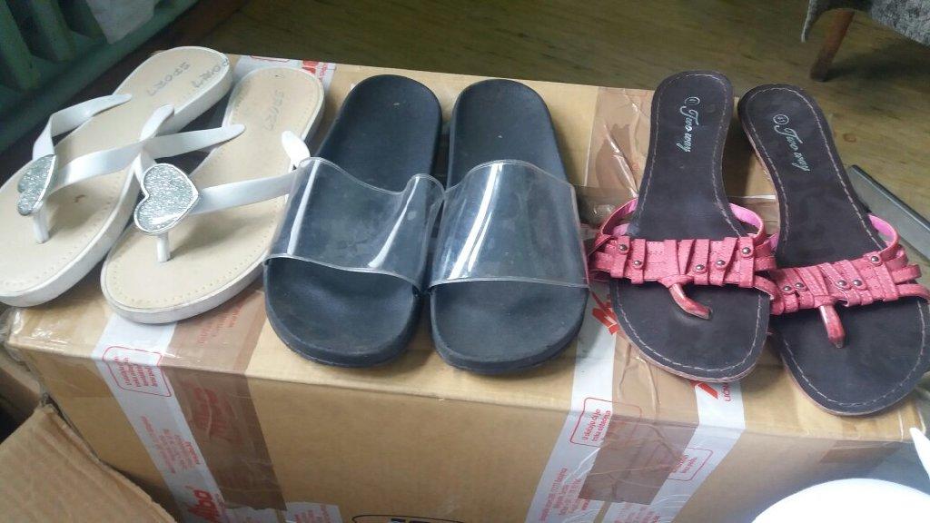 Zenske papuce br bele 39 crne br 40 roze 41