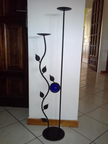 Κηροστατης μεταλλικος μαυρος για λαμπαδες γαμου με υψος 94cm.. Photo 0