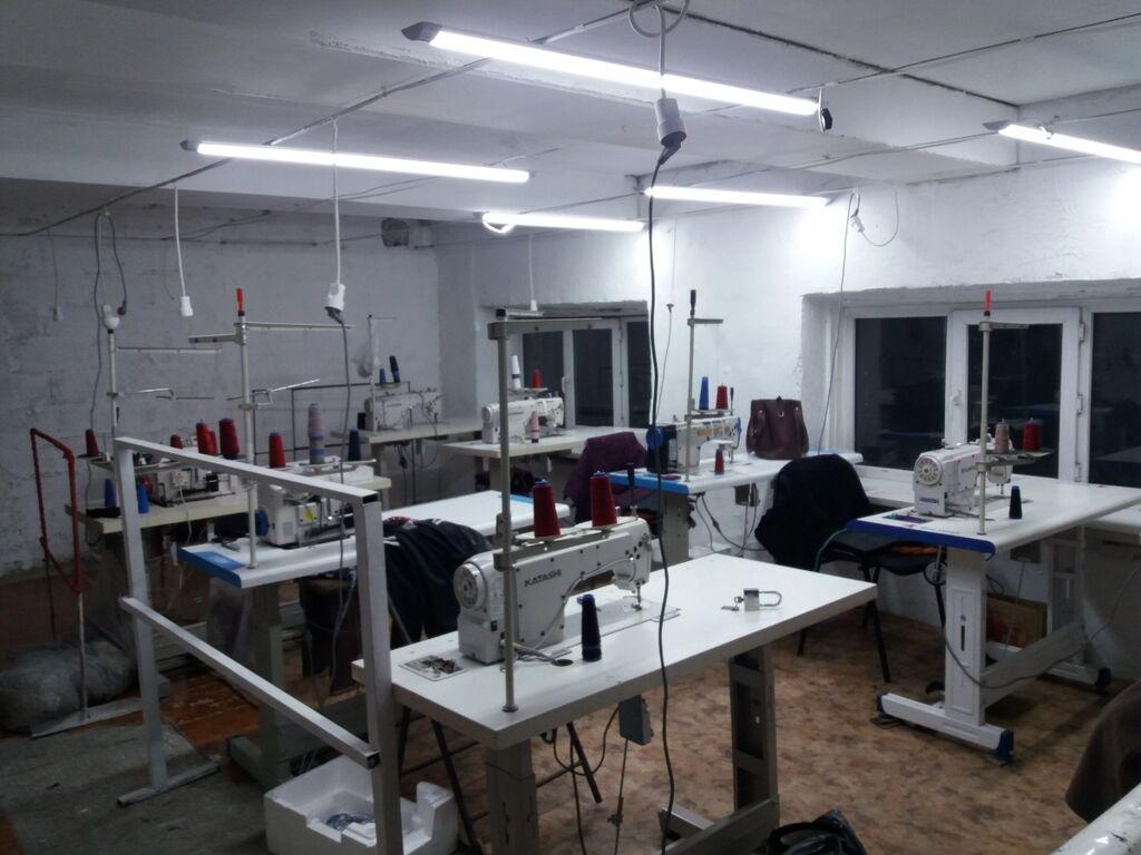 Продаётся швейные машинки плюс помещение 60 квадрат мини цех: Продаётся швейные машинки плюс помещение 60 квадрат мини цех