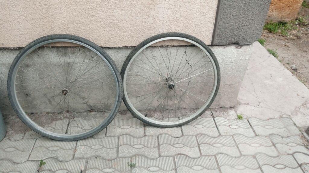 Диски для велосипеда с покрышкой и камерой (передний и: Диски для велосипеда с покрышкой и камерой (передний и