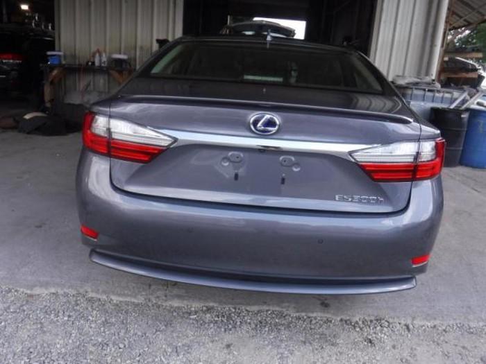 Lexus ES 2018. Photo 3