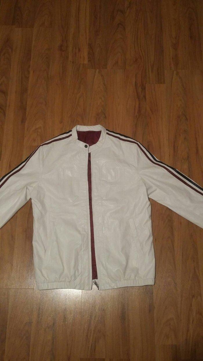 Продаю куртку материал кожзаменитель. Состояние идеал не разу не одета в Бишкек