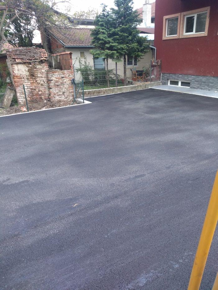 Radimo asvaltiranje dvorišta ulica garaža , bexatona , ivicnjake iskop nasipanje betonaza , sva moguća uređenja nisko gradnje