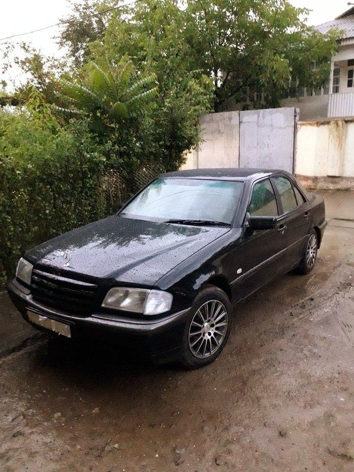 Mercedes-Benz C-Class 1998 в Душанбе