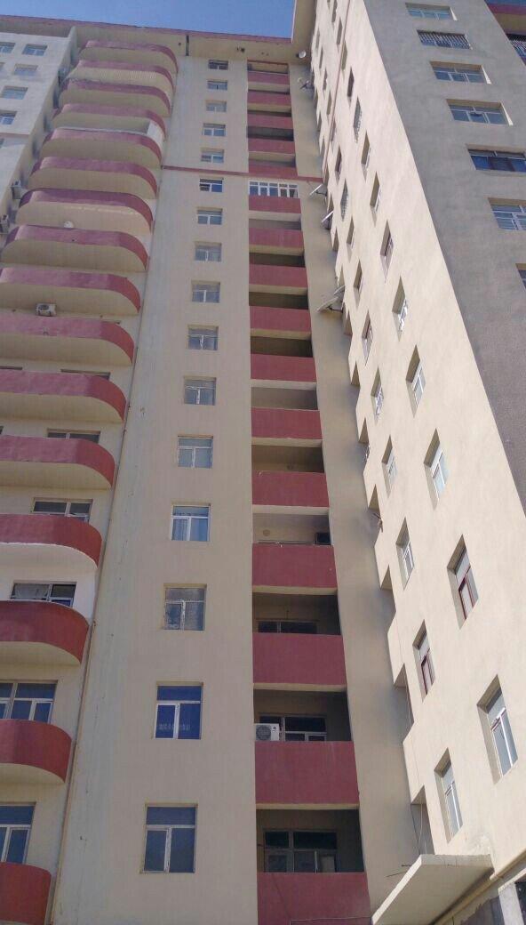 Bakı şəhərində tecili yeni tikili ev satilir