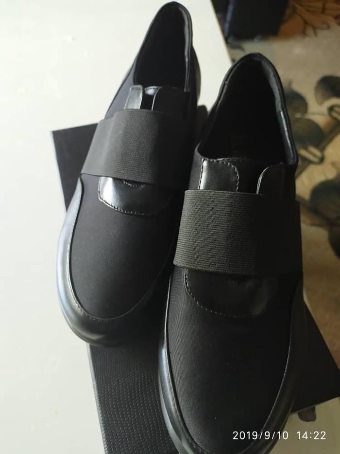 Продаю новую обувь 36,39р  производство Гуанчжоу 1300с. Photo 0