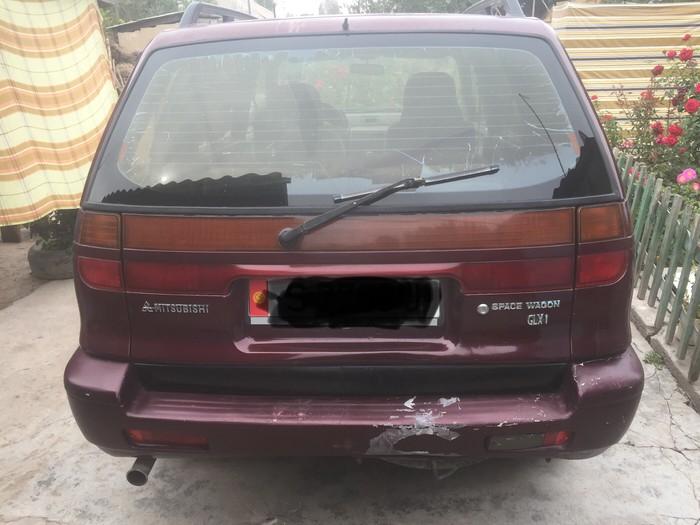 Mitsubishi Space Wagon 1995. Photo 6