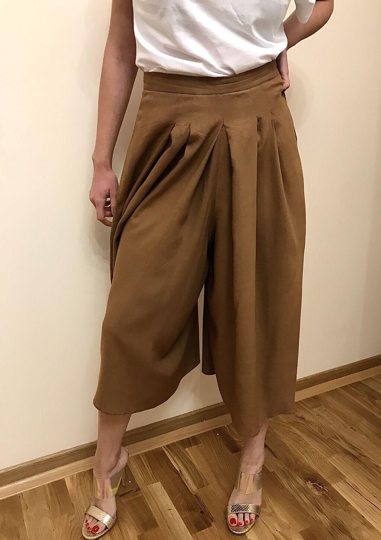 Pantalone bez ostecenja.  Poluobim struka 36, duzina 80, dubina 42