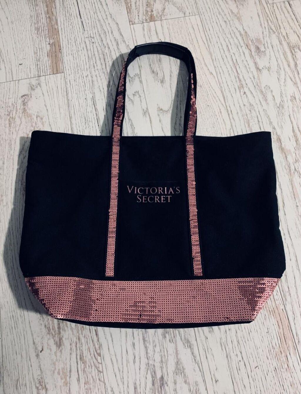 Victoria's Secret original torba Victoria's Secret-Original zenska torba-(NOVA KOLEKCIJA) Veoma lepa i prostrana, ultra moderna sa pink sljokicama