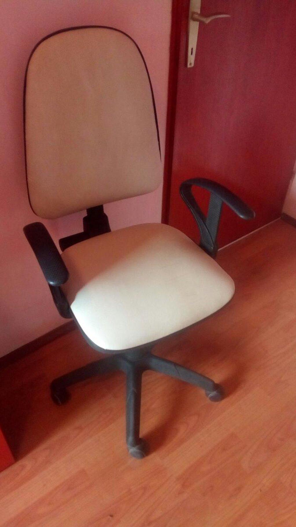 Kompjuterska stolica u odličnom stanju