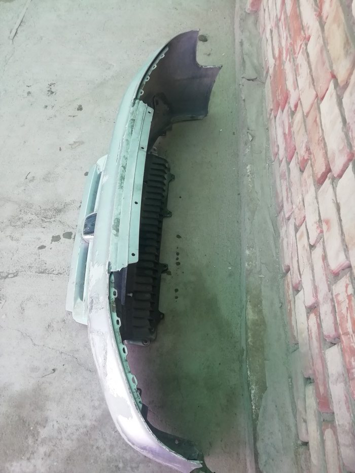 Продаётся передний бампер степ вагон спада , в Бишкек