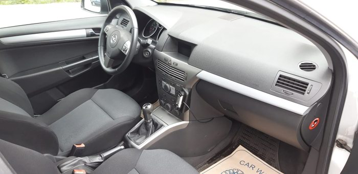 Opel Astra 2006. Photo 1