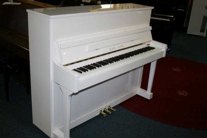 Avropa istehsalı akustik piano