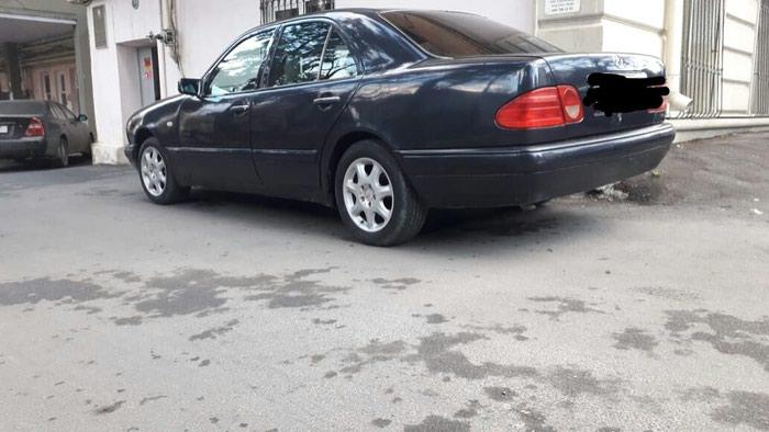 Mercedes-Benz 200 1996. Photo 3
