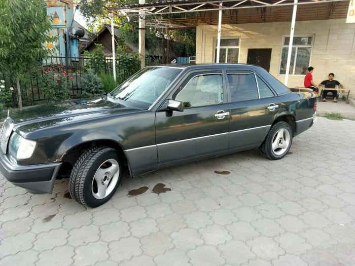Mercedes Benz E 230 in Бишкек