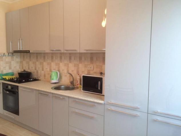 Продается квартира: 2 комнаты, 88 кв. м., Бишкек. Photo 1