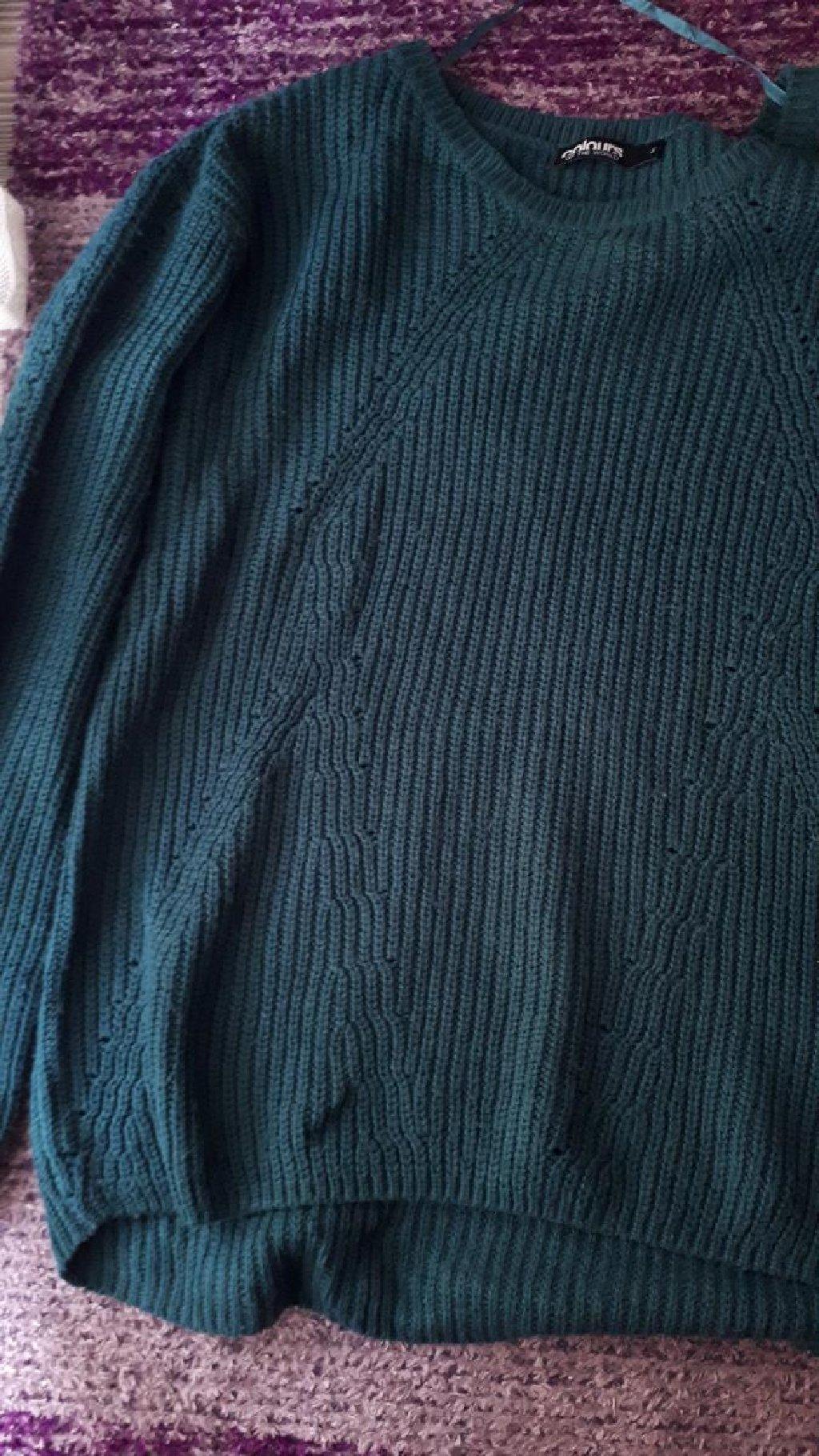 Πανεμορφη πλεκτη μπλουζα κυπαρισσι! Καλυπτει Μ και L. Αψογη κατασταση!