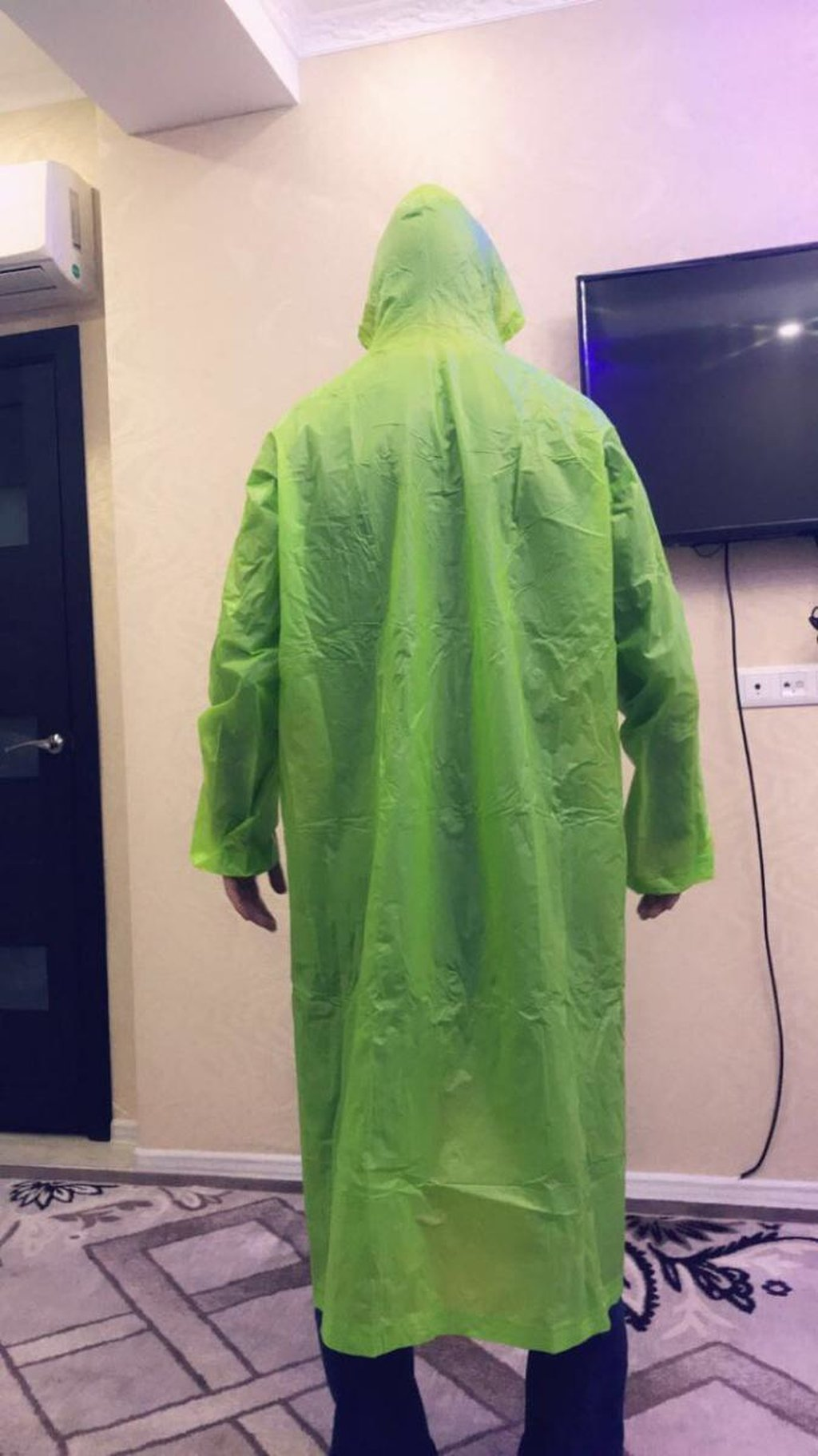 Плащи, дождевики, как спец одежда для дезинфекции