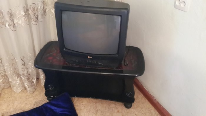 Подставка для телевизора и две тумбочки  в Душанбе