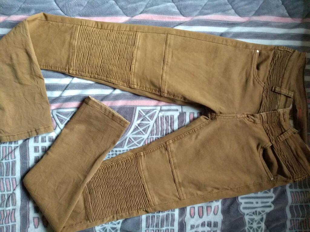 Pantalone br 25,rastegljivoga materijala